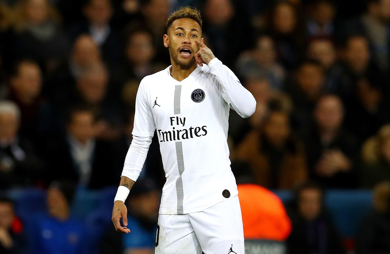 世体:无法满足巴黎要求,巴萨对签下内马尔感到达观
