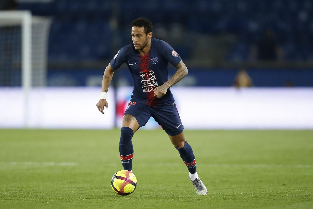 法媒:六成巴黎球迷希望内马尔归队,最想引进登贝莱接班