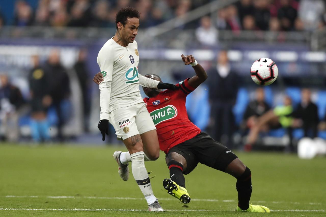德约卡夫:巴黎球迷都希翼内马尔能到达梅罗的高度