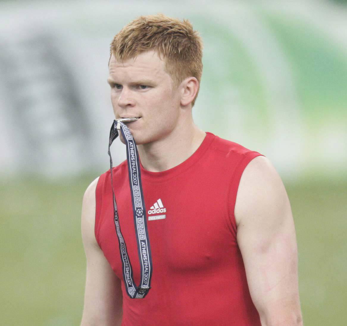 杰拉德:当年的里瑟速度和身体素质俱佳,他是红军重要的一员