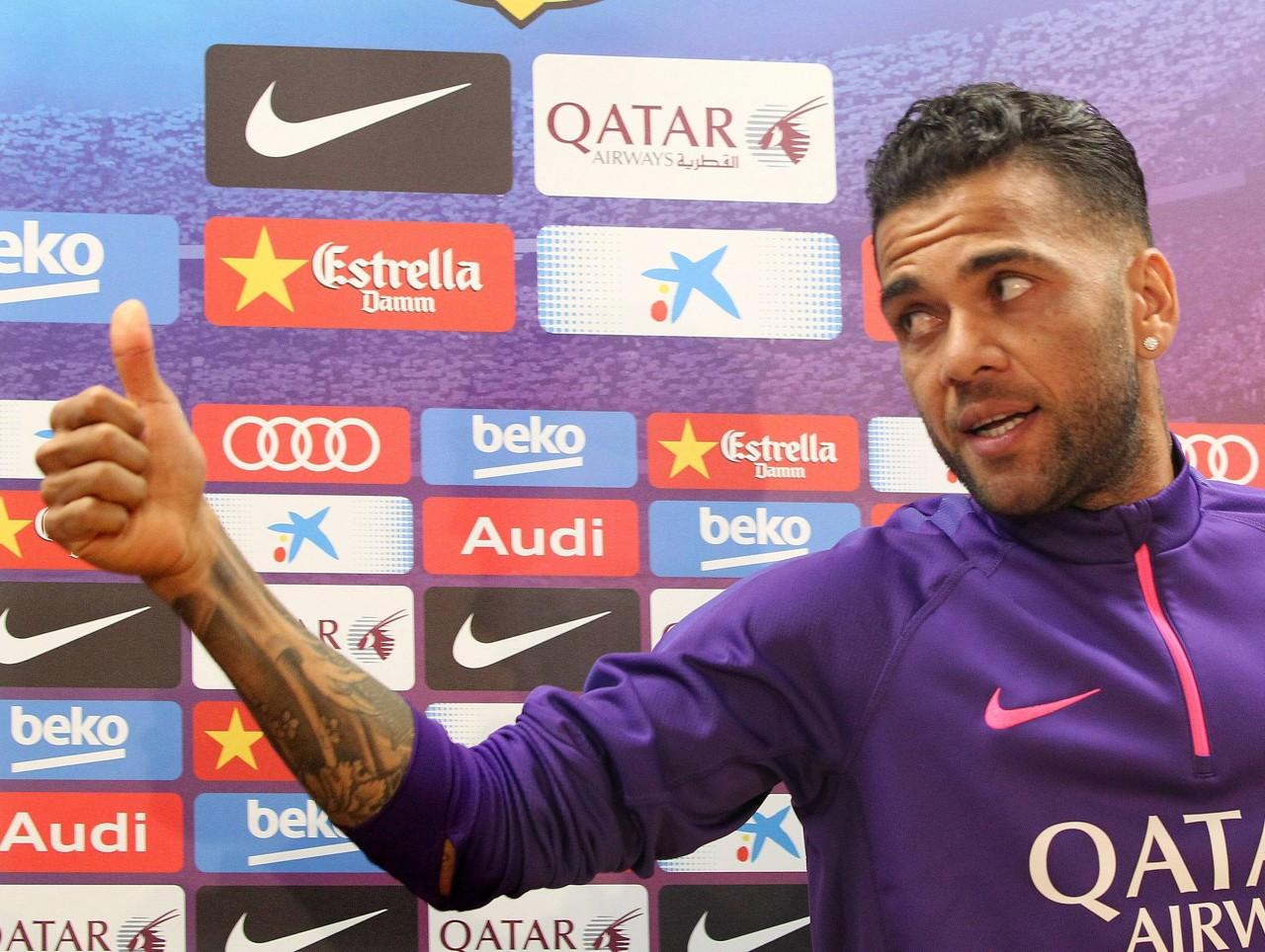 阿尔维斯ins发文:我为足球崇奉而活,希望它能沾染更多人